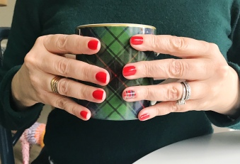 nailart-holiday-plaid-jcrew-williamssonoma