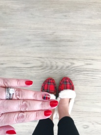 nailart-holiday-plaid-jcrew