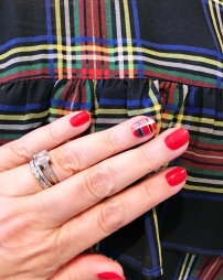 nailart-holiday-jcrew-plaid