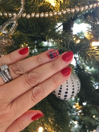 nailart-holiday-plaid