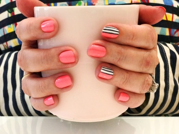 stripes mani jcrew oj