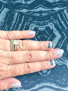 mani monday blue stripes 2