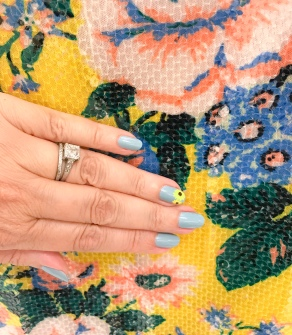 mani monday sunflower nail art essie dvf