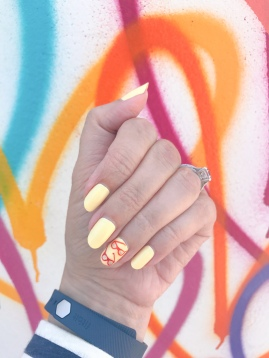 manimonday-nailart-jcrew-fitbit-lovewall