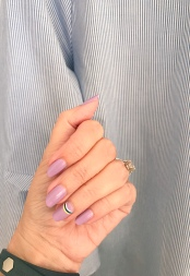 manimonday-nailart-essie-jcrew-chelsea28