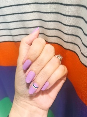 mani monday nail art dvf 1