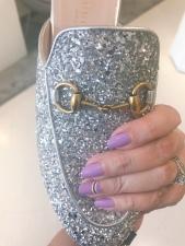 mani monday nail art gucci glitter