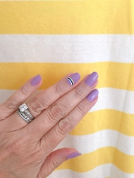 manimonday-nailart-essie-jcrew-stripes