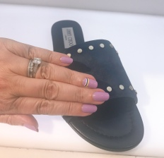 manimonday-nailart-essie-jimmychoo
