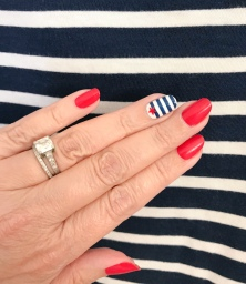 manimonday-nailart-essie-stjames-stripes-jcrew