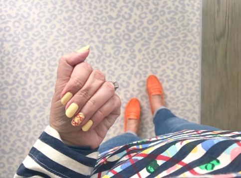 manimonday-nailart-jcrew-tods-flowerguy