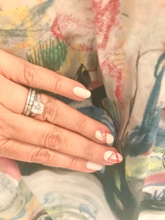 manimonday-nailart-burberry-sanfrancisco-goldengate
