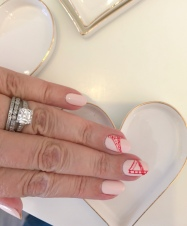 manimonday-nailart-sugarpaper-hearts-goldengate