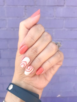 manimonday-nailart-essie-fitbit