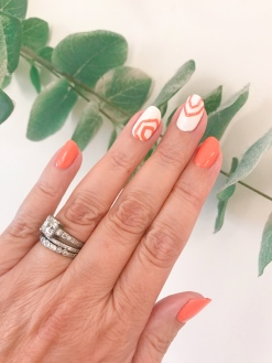 manimonday-nailart-essie