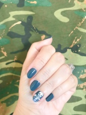 manimonday-nailart-essie-olivejune-jcrew