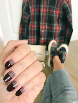 manimonday-nailart-essie-jcrew-parkerthatch-plaid-seavees