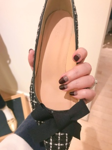 manimonday-nailart-jcrew-essie