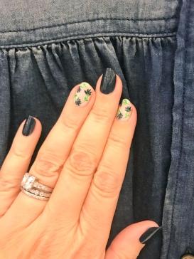 nailart-manimonday-essie-flowers-lavie