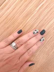 nailart-manimonday-essie-flowers-olivejune