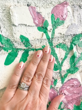 nailart-manimonday-essie-olivejune-flowerchild