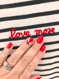 manimonday-nailart-alc-holiday-candycane-stripes