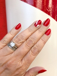manimonday-nailart-thegrovela-holiday-candycane