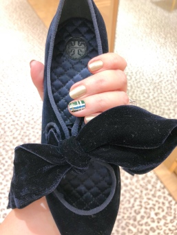 manimonday-chanel-plaid-toryburch-velvet