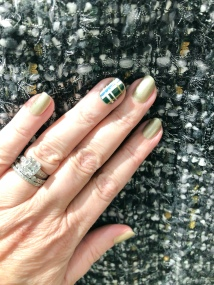 manimonday-chanel-plaid-gerarddarel