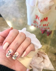 holiday-nailart-manicure-essielove-clarev-jcrew