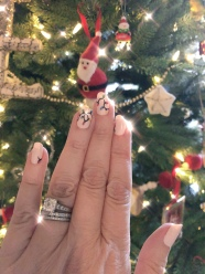 holiday-nailart-manicure-essielove