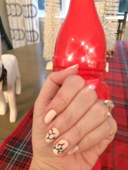 holiday-nailart-manicure-essielove-hudsongrace-gnome