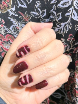 manimonday-nailart-essie-veronica beard