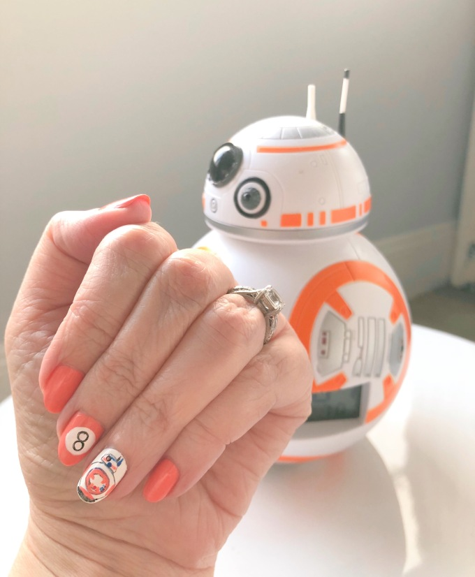 nailart-bb8-starwars-essie
