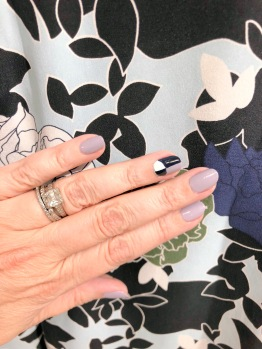 manimonday-nailart-essie-equipment