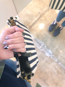 manimonday-nailart-essie-clarev-stripes