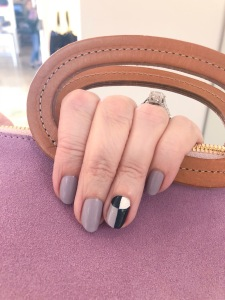 manimonday-nailart-essie-clarev