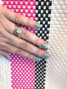 manimonday-essie-nailart-easter-truss
