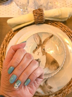 manimonday-essie-nailart-easter-williamssonoma