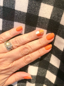 manimonday-nailart-jcrew-essielove