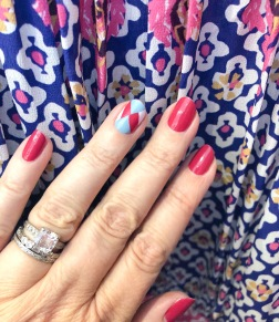 manimonday-nailart-essie-intermix-solani