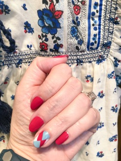 manimonday-nailart-essie-pointsur-jcrew