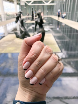 manimonday-nailart-essie-paris-pompidou
