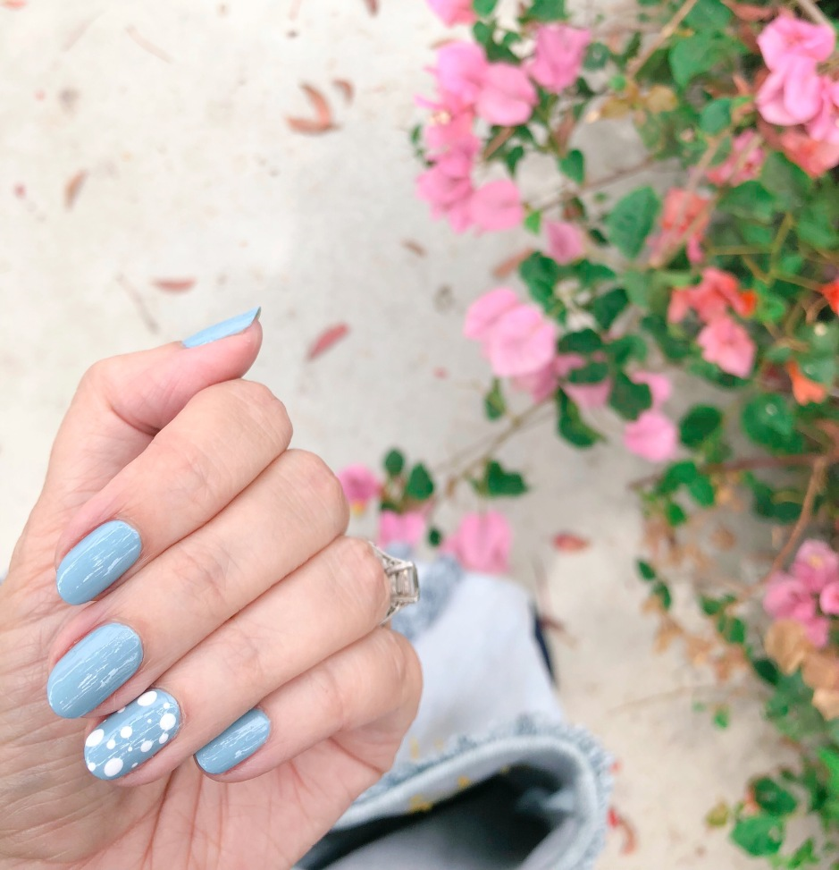 manimonday-nailart-barneys-essielove